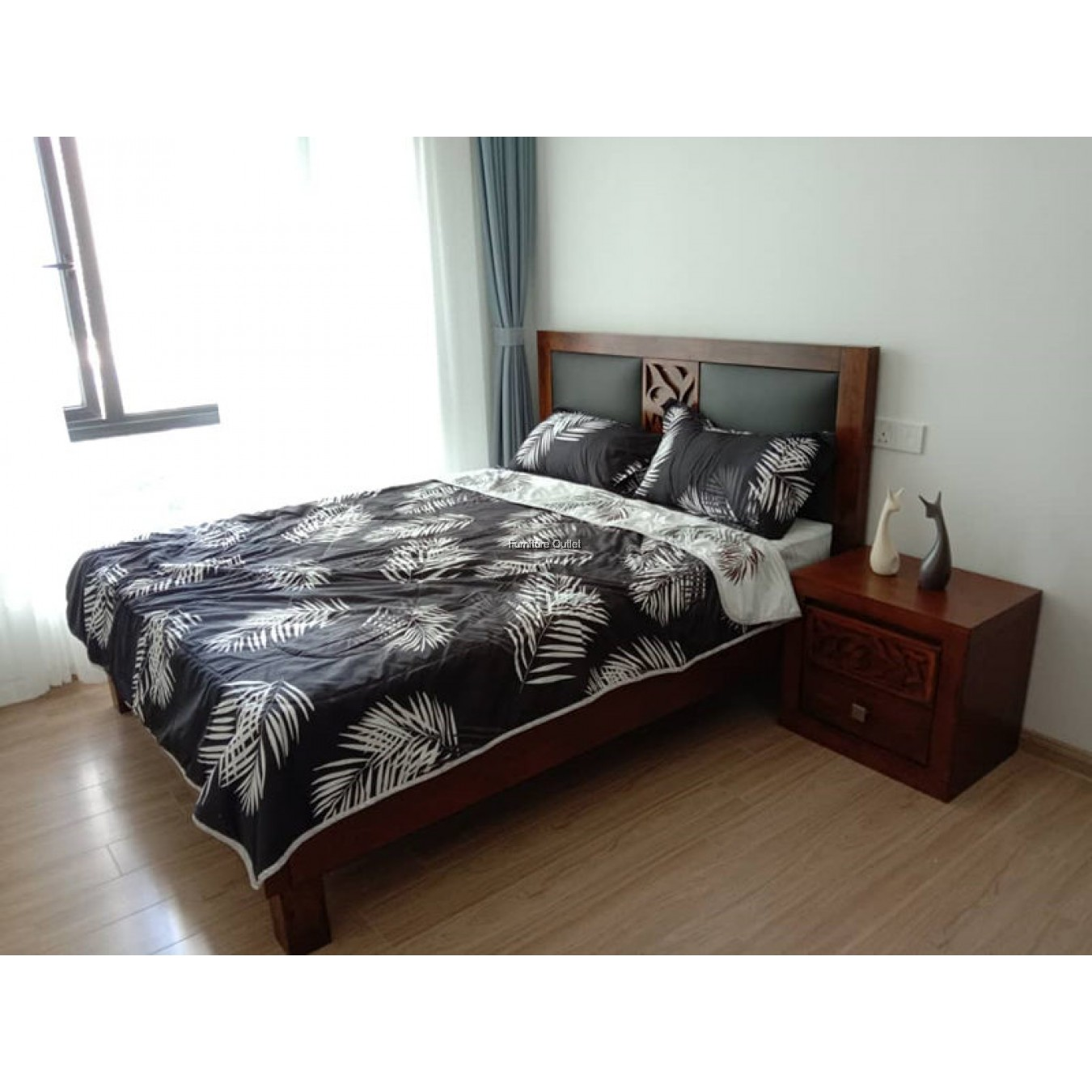FULL SOLID WOOD BEDROOM SET - 2